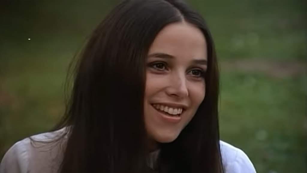 Janet Margolin es Louise (Robó, huyó y lo pescaron).